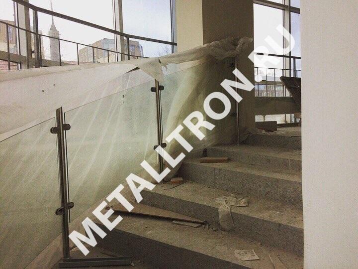 Изготовление и установка ограждений со стеклом