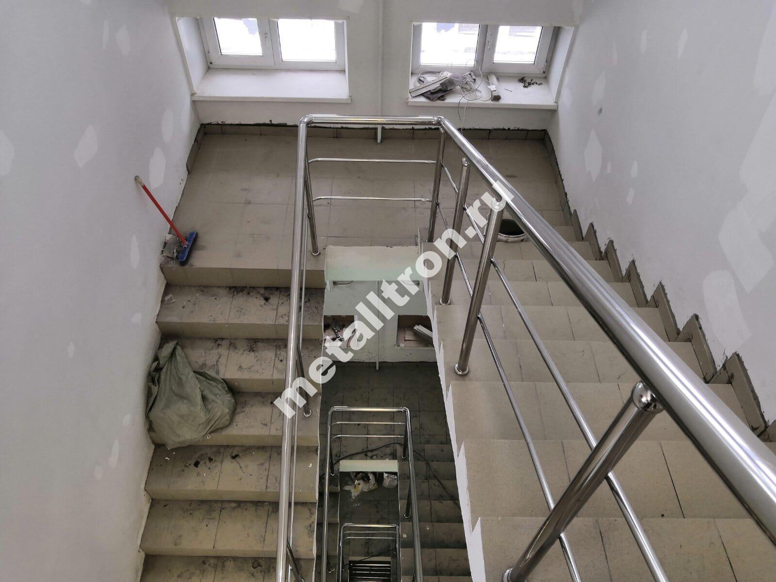 Лестничные ограждения для офисного здания