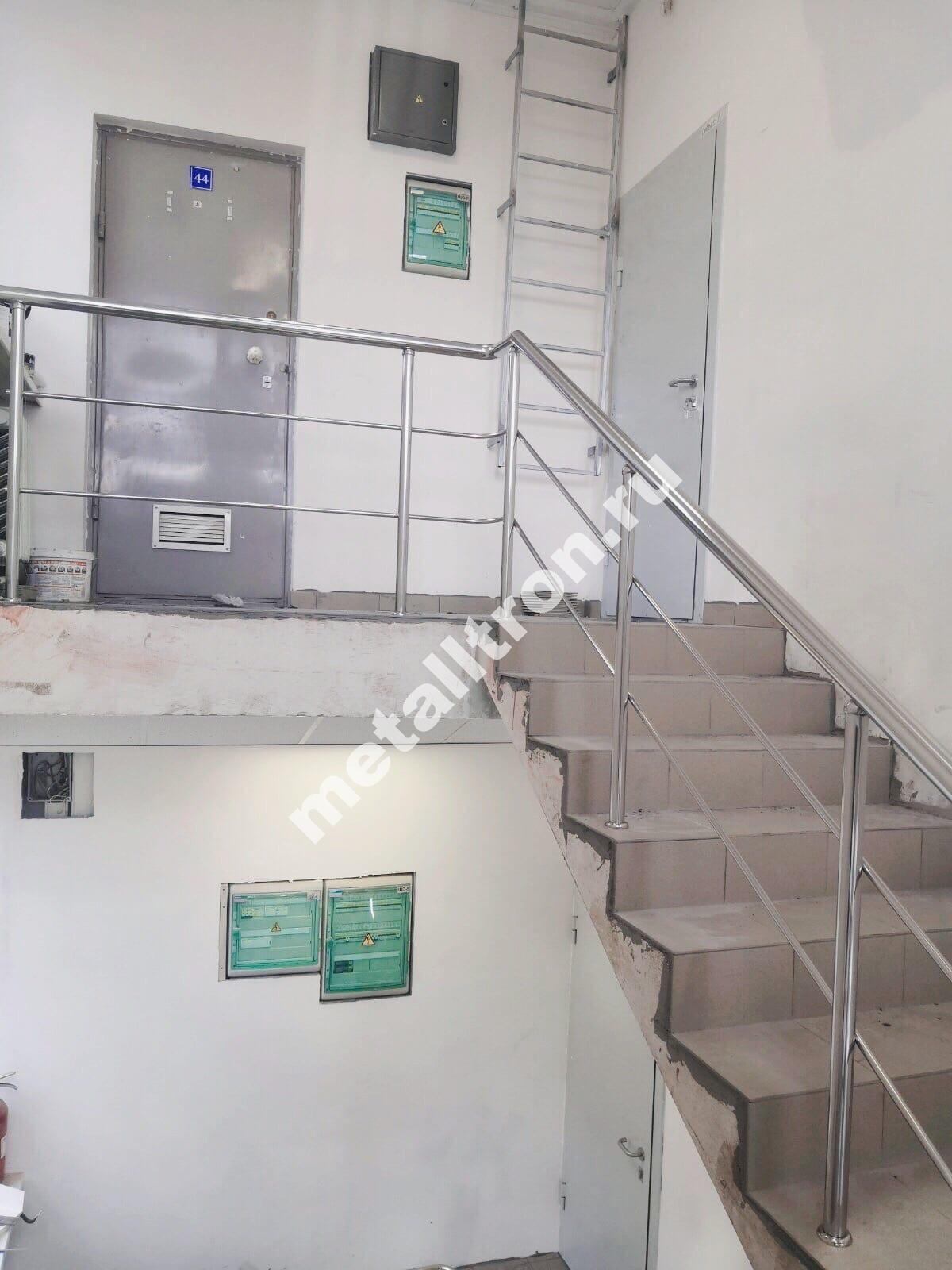 Лестничные ограждения из нержавеющей стали для офисного здания