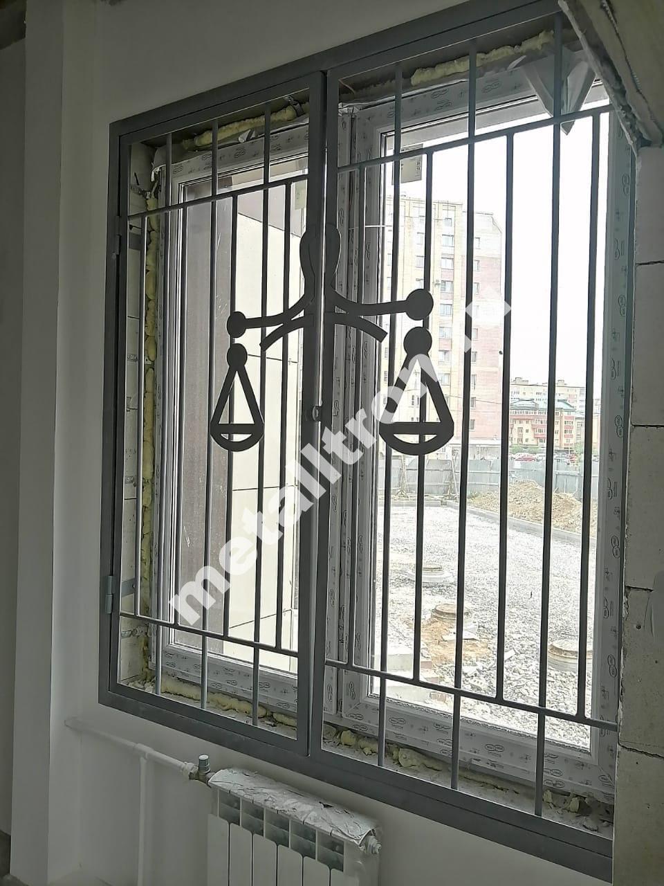 Решетки на окна из черного металла